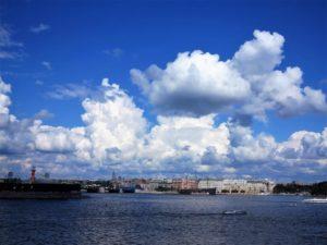 Vista geeral de San Petersburgo desde el río Neva./ Foto J.M.