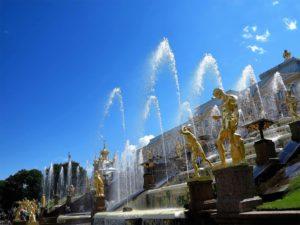 Cascada en los jardines del palacio Peterhof./ Foto J.M.