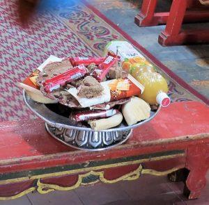 El almuerzo de los monjes en el monasterio de Gandantegchinlin./ Foto J.M.