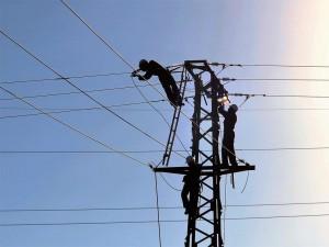 012.-Electricistas-en-Tánger