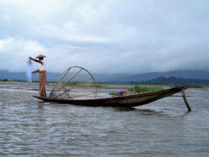 El pescador. / Foto J.M.