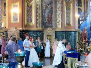 Boda ortodoxa en la basílica de Nuestra Señora de Kazán (Irkutsk)./ Foto J.M.