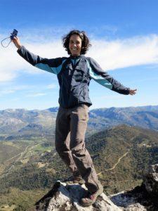 Marta, en la cumbre de la sierra de la Silla./ Foto J.M.
