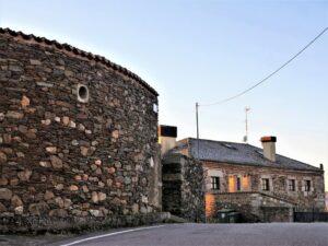 Muros de piedra seca en Perniculás./ Foto J.M.